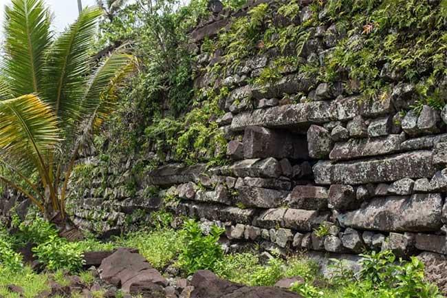 Nan Madol được coi là kỳ quan kỹ thuật