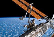 Tấm pin Mặt trời được lắp đặt trên Trạm Vũ trụ Quốc tế (ISS).